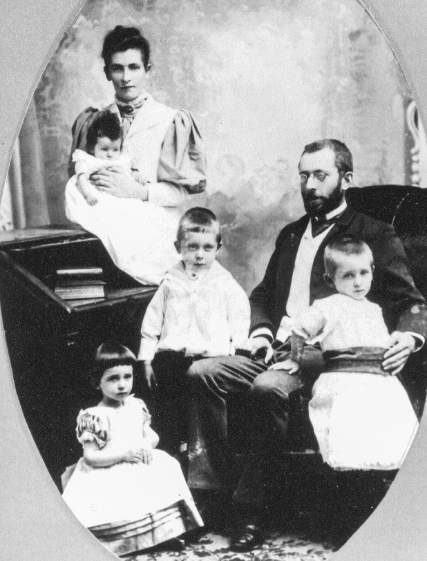 LeDain Family 1894 - The mother, Harriet, father Thomas with three of their children including the baby, Olive, the first to born in Canada.